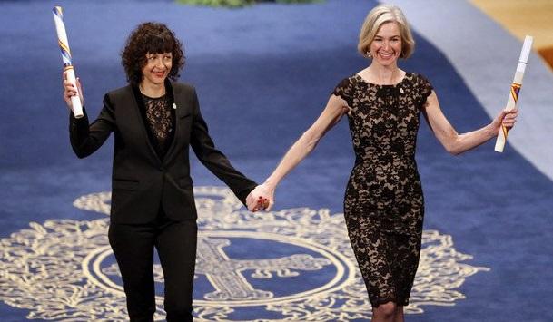 Charpentier y Doudna, tras recibir el Premio Princesa de Asturias de las Ciencias 2015.