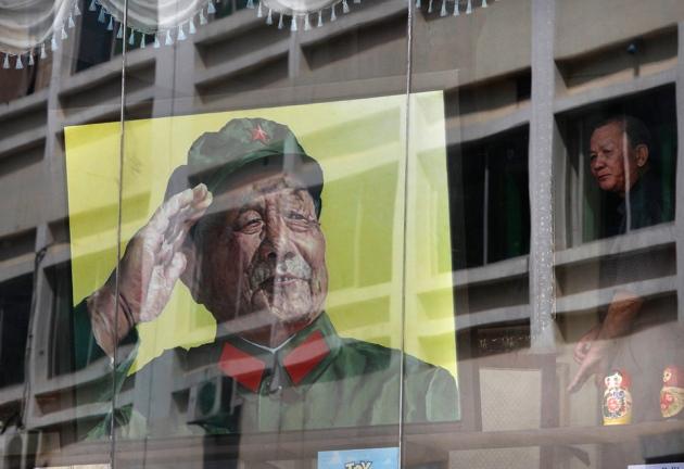 El líder chino Deng Xiaoping sufría Parkinson, una enfermedad a la que le buscan cura.