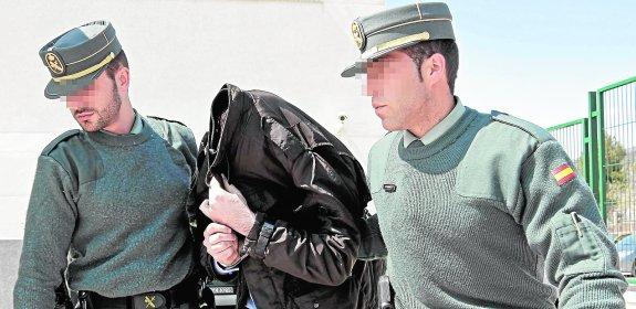 Raúl Conejero, durante su detención en 2012. Foto La Verdad.